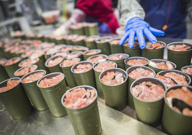 https://www.alaskaseafood.org/wp-content/uploads/2010-Salmon-Cans-CM.jpg