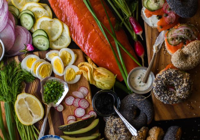 https://www.alaskaseafood.org/wp-content/uploads/202104_Smoked-salmon-bagel-board_AA-Web-JPG.jpg
